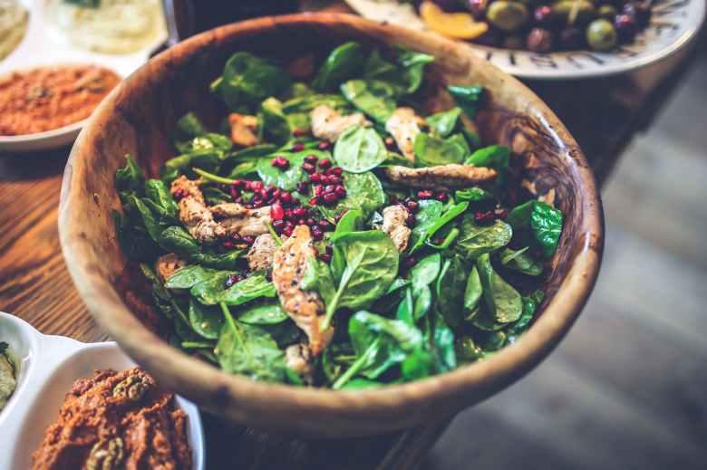 salad pomegranate chicken spinach